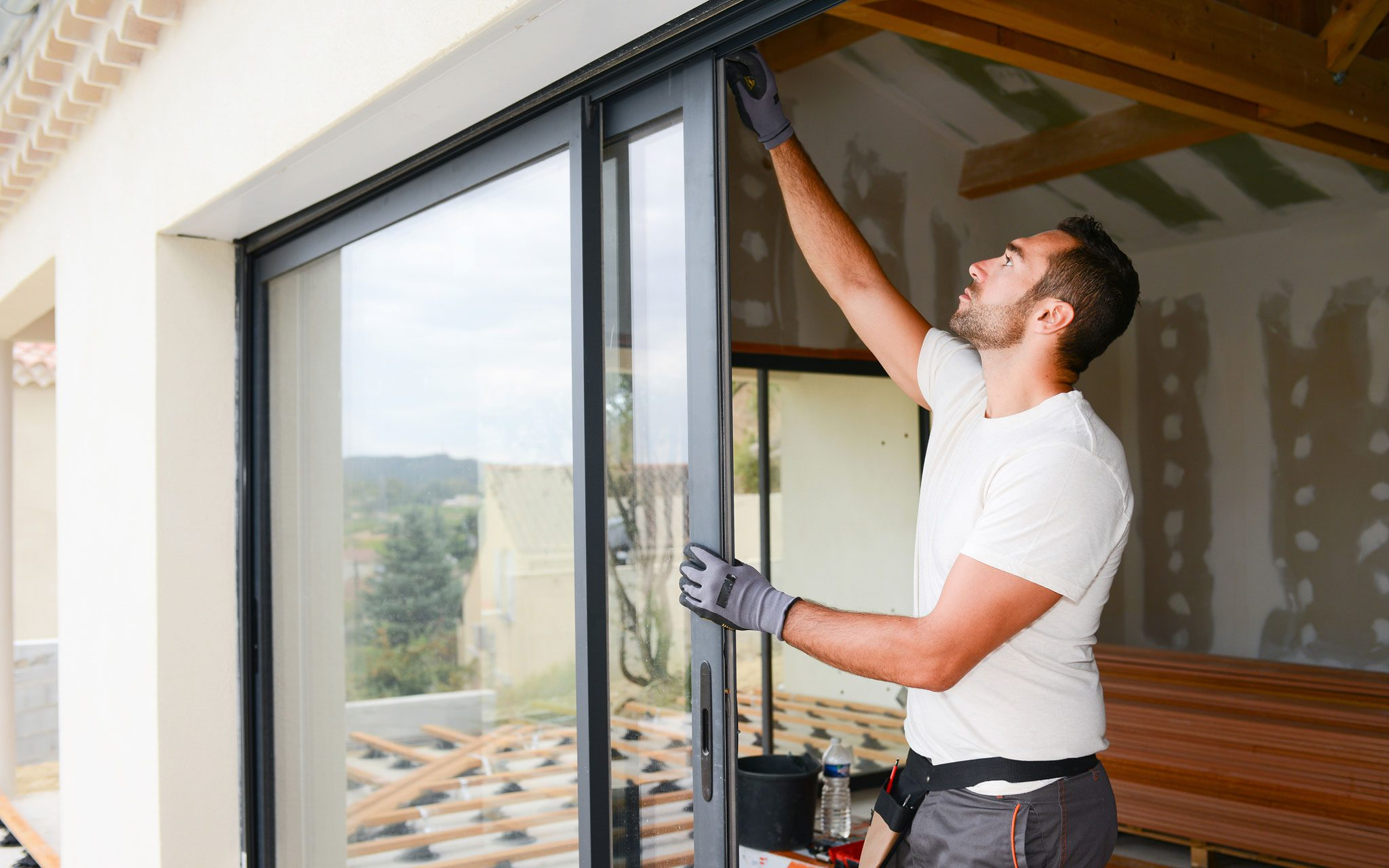 Fensterbau bei einsetzen eines Fensters